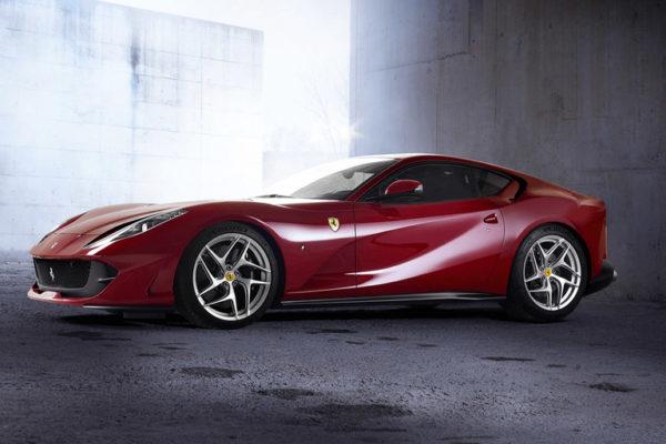 812superfast(フェラーリ)の画像