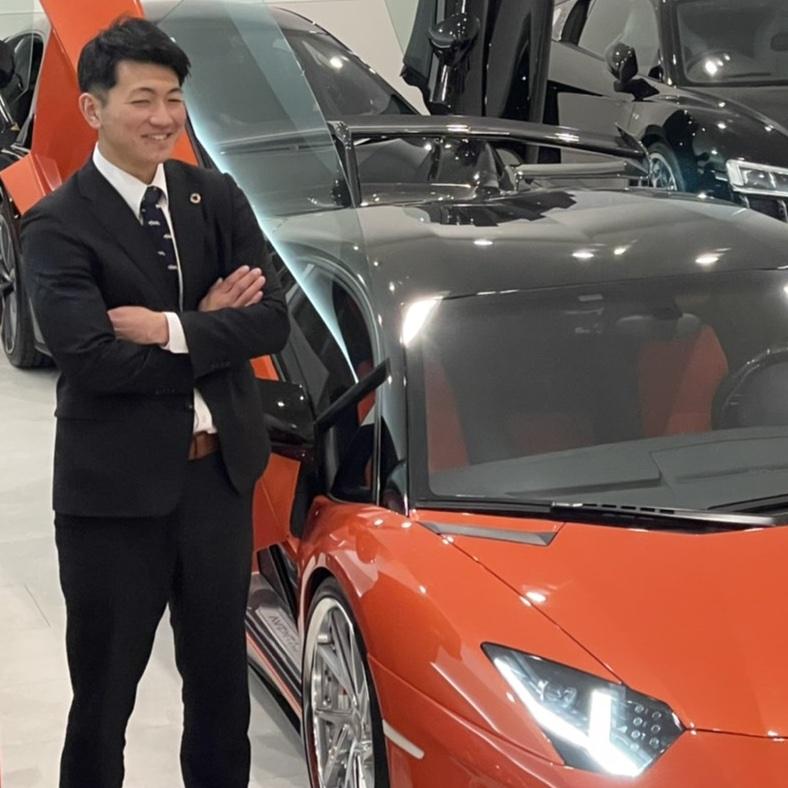 愛知県春日井市スポーツカーの中古車販売モデルノの営業 上地大介